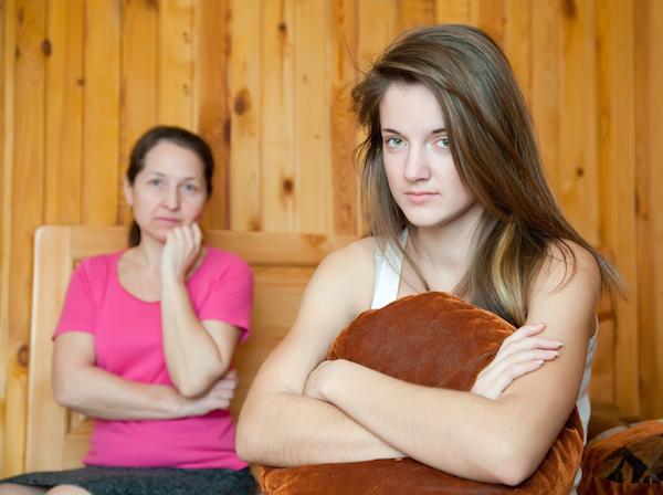 このままで結婚できるのか心配・・・結婚適齢期の子どもを持つ親の本音