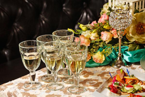 こんな失敗は絶対にNG!結婚式での新郎新婦の飲み過ぎに注意しましょう! (Unicode エンコードの競合)