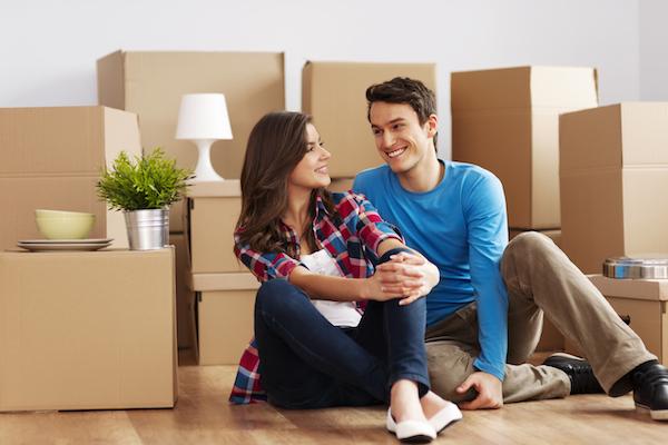 安い時期ってあるの?引っ越し費用を抑えて新婚生活開始から節約!