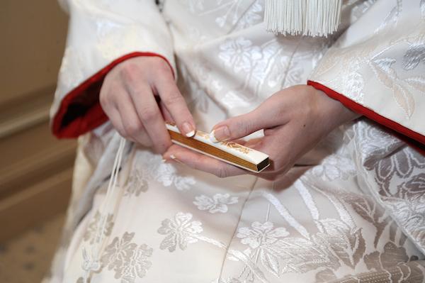 白無垢姿の花嫁って憧れちゃう!人気になっている「神前式」の内容