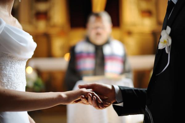 サムシングフォーだけじゃない!幸せな結婚式にできるおまじない (Unicode エンコードの競合)