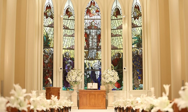 d6d000b2217e3 大阪で少人数の結婚式におすすめ!家族挙式人気チャペル4選 家族挙式/セントアクアチャペル心斎橋