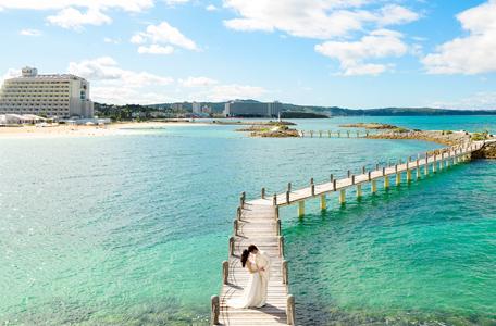 【家族挙式リゾート】2017年OPEN!沖縄のチャペルでリゾート家族婚!