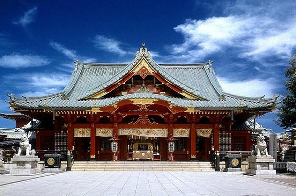 家族婚を神社で厳かに。東京で神前結婚式ができる神社3選