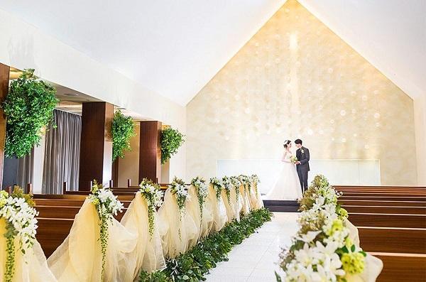 ANAクラウンプラザホテル熊本ニュースカイのチャペルで叶える家族婚