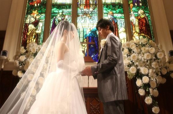 セントアクアチャペル千葉の大聖堂で叶える、家族挙式