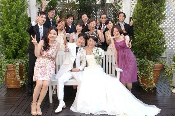 日本橋の「セントアクアチャペル東京」でリラックスできる家族婚を!
