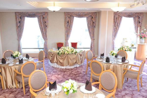 皇居を望む「ホテルグランドパレス」で家族婚&友達とのパーティを!