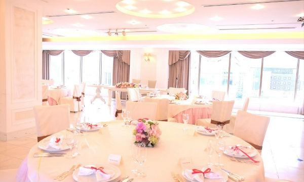 広島駅直近の素敵な会場で「家族挙式の会費制結婚式」を!