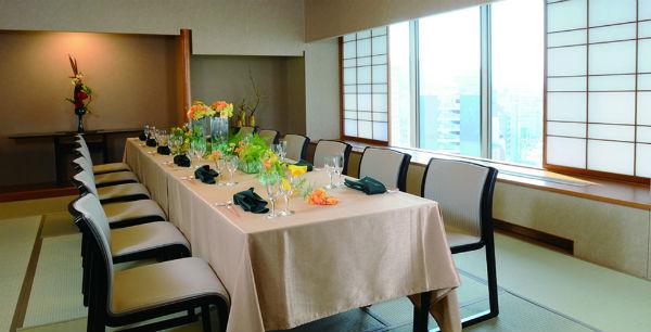 遠方のゲストも安心、ホテルセンチュリー21広島「京もみじ」でお食事会結婚式!