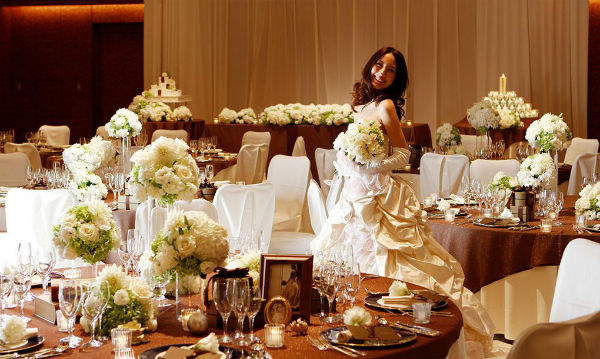 【本町・大阪城公園】温かさや気品のある会費制結婚式が叶う会場2選