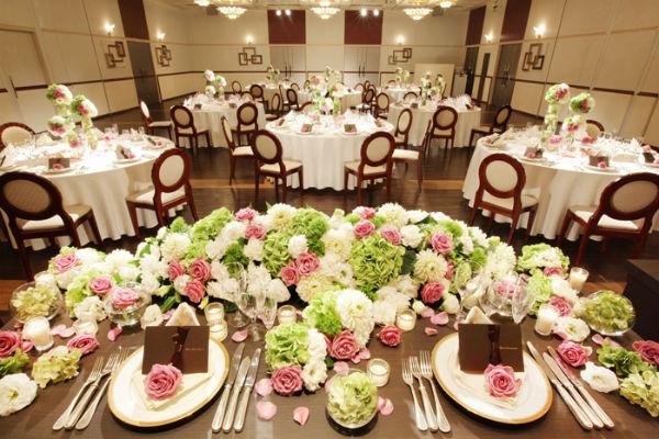 梅田と新大阪でプライベート感溢れる会費制結婚式を!