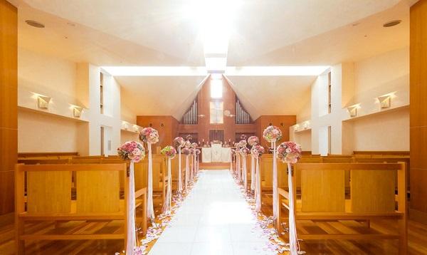 【京都・神戸】京都や神戸の、ガーデンがある家族婚向きチャペル3選