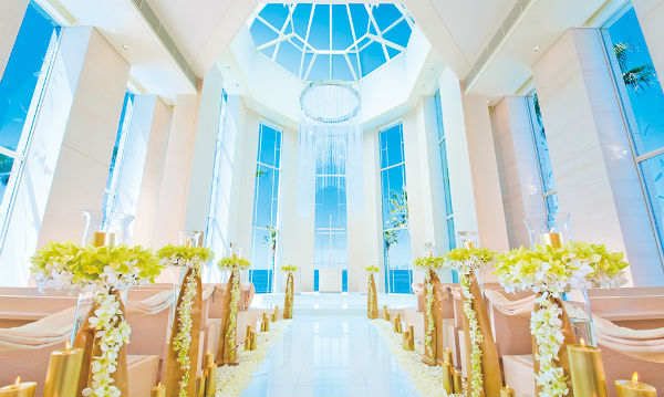 海辺のリゾート「東京ベイ舞浜ホテル」で、開放感あふれる家族挙式を!