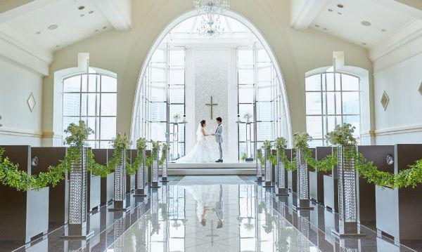 「セントアクアチャペル横浜」で、みなとみらいの絶景を眺めながら家族婚!