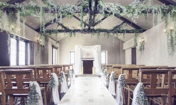 ナチュラルな空間が広がるレストランで、少人数の家族婚を「ENCUEIL(アンクィール)」