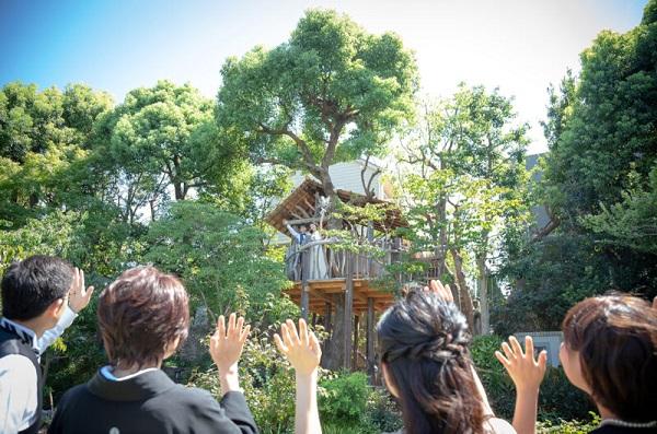 イングリッシュガーデンが広がるゲストハウスで家族婚「花遊庭」