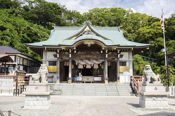 横浜市で神社婚&パーティー!家族挙式厳選神社2選&パーティー会場