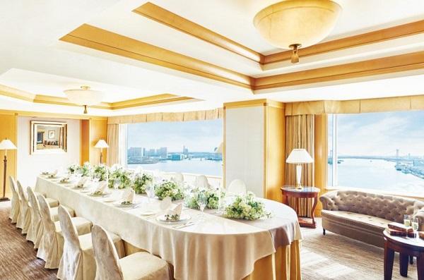 東京湾を望むチャペルでセレモニーフォトを「オーシャンビューチャペル・トーキョーベイ」