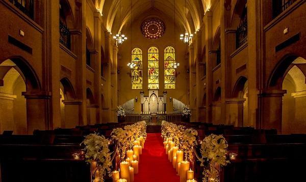 仙台駅より徒歩3分!荘厳な大聖堂を備えるパレスへいあんで親族結婚式を